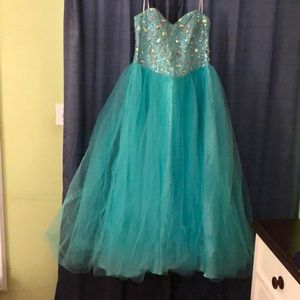 Prom dress sequence top strapless